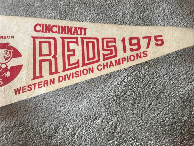 1975 CINCINNATI REDS PENNANT with NAMES