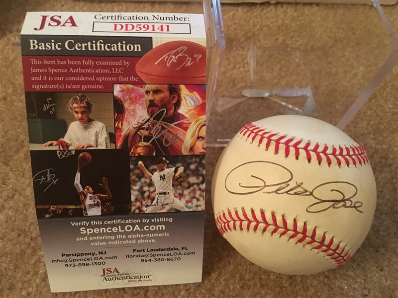 PETE ROSE SIGNED on $25.00 NL BASEBALL with $15 JSA COA in CUBE